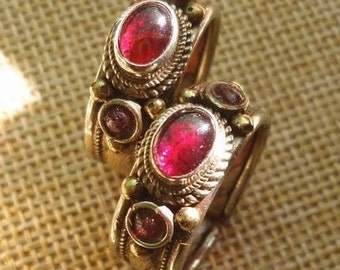 Lovely Nepales Grenade ring.