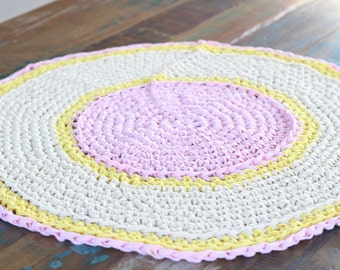 Crochet rug- pink, cream, yellow