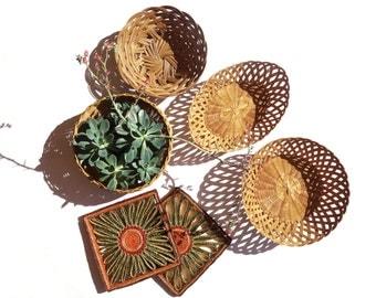Vintage set of 4 woven wicker baskets & 2 mats, wall hanging baskets, rattan, trivets midcentury, bohemian style