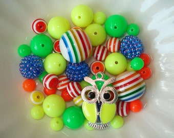 Bead Kit Bubblegum Chunky Striped Beads Yellow Enamel Owl Charm