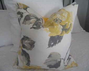 Sunny Yellow , Grey, Flower Pillow Cover. Yellow.Grey's. Country Living.Farmhouse decor.Spring. Summer Decor Flowers.Fall.Canary Yellow.