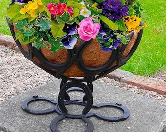 """Horseshoe Large 18"""" basket stand"""