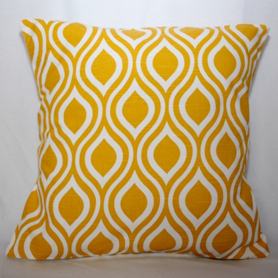 soldes coussin jaune jaune home decor coussin housse taie. Black Bedroom Furniture Sets. Home Design Ideas