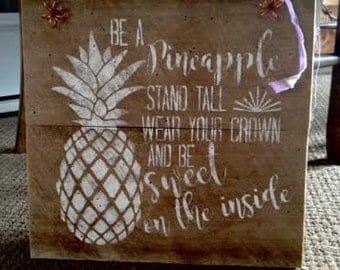 Barnwood Pineapple Sign
