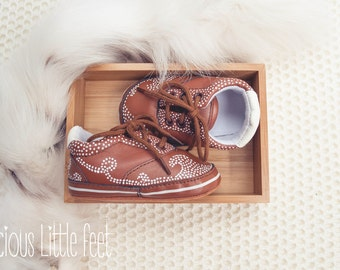Baby Shoes, Hand painted, Brown leather, 0-6 months