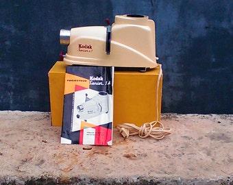 Senior KODAK slide projector 1-vintage