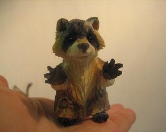 Raccoon (wood carving)