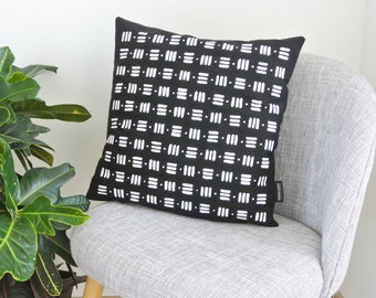 Cushion PETER - Black & Kaki