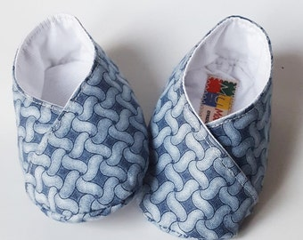 baby booties blue-grey cotton with woven pattern