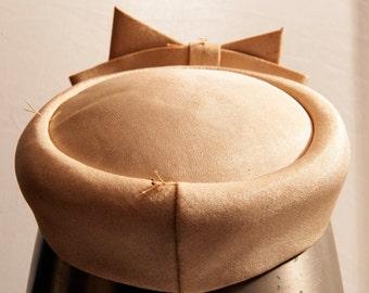 Vintage Pillbox Hat, Kentucky Derby hat, Costume hat, classy hat