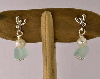 Sea glass earrings / sea glass / Freshwater Pearl / sterling silver