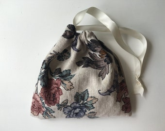 Floral tarot bag, unique and handmade with love, cinches closed with a ribbon