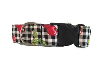 Dog collar printed with martingale or buckle cherries