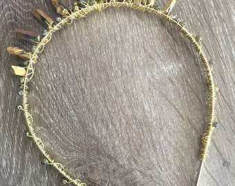 Gold beaded quartz crown