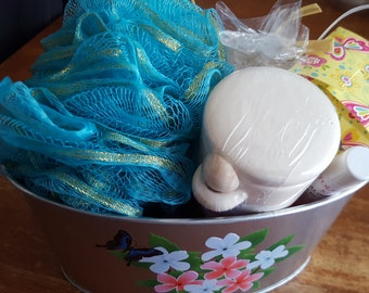 Mother's Day Bath gift basket