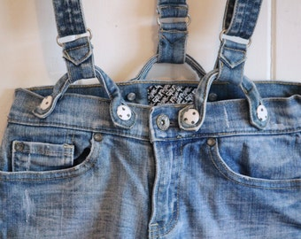 Fun, high waisted, jean shorts with detachable suspenders, mid rise