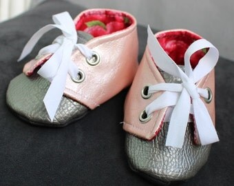 Sweetheart baby Booties size XS