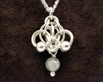 Hotaru Chainmail Pendant - Sterling Silver with Labradorite