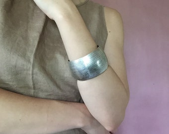herringbone cuff bracelet || silver metal statement bracelet