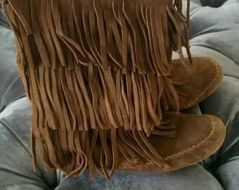 Minnetonka Brown Suede Mocassin Fringe Boots
