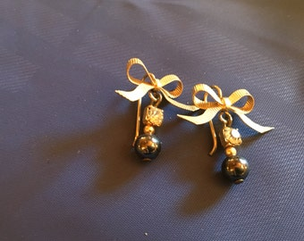 80's gold bow earring