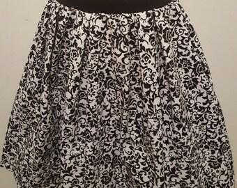 Black & White Floral Skirt w/ Pockets