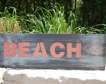 "Hand painted wood sign ""Beach"""