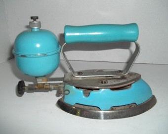 Vintage Coleman Turquoise Enamel Gas Iron 4 A Pump