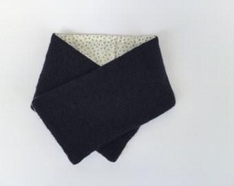 Boiled wool scarf girl