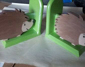 Hedge hog bookends/owl hangings/shelf fox