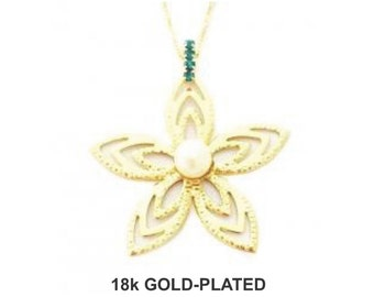 Flower Pearl Necklace - 18K Gold Plated
