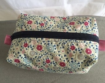 Vintage Floral Cosmetic Box Bag