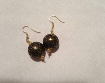 Handmade Vintage Italian 18mm Black and Gold lucite Lightening earrings