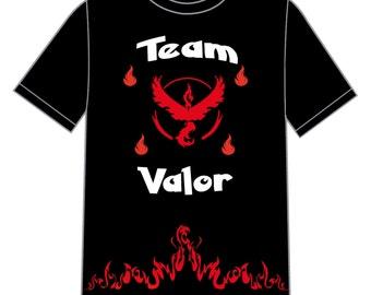 Black t-shirt with short sleeves: video games-Pokemon-Team Valor-Pokemon Go