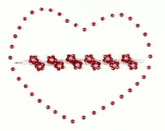 Beaded bracelet in flower style
