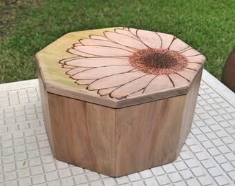 octagon daisy box
