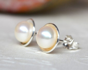 Pearl Studs. Sterling Silver & Freshwater Pearl earrings. Pearl Studs. Pearl Earrings. Classic Pearl Earrings. White Pearl. Everyday. Gift.