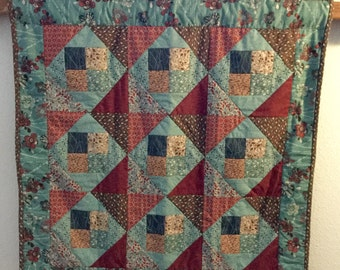 Friendship Wall-hanging Quilt - 33x33