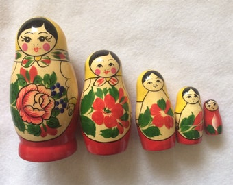 Matryoshka Nesting Dolls Set of 5