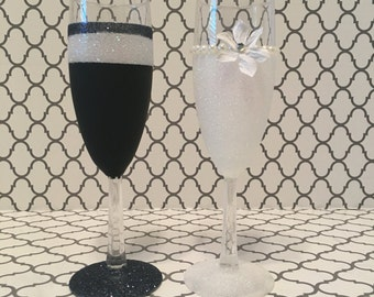Classic Bride and Groom Glasses