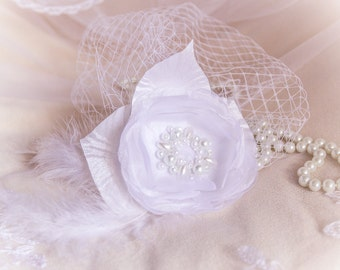 "White wedding fascinator ""Eugenie"""