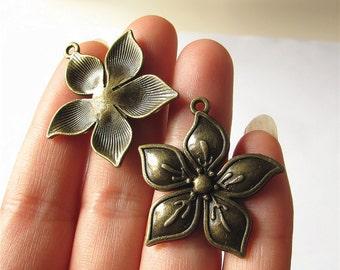 Flower Charm Pendant Antique Brass Drop Handmade Jewelry Finding 32x33mm 2 pcs