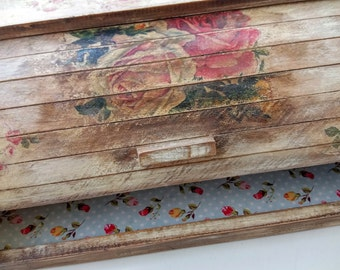 Bread box shabby chic , Caja de pan.