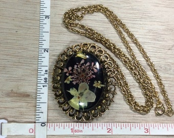 """Vintage 24"""" Gold Toned Real Dried Flowers In Lucite Pin Brooch Pendant Combo Light Scuffing Lot A Used"""