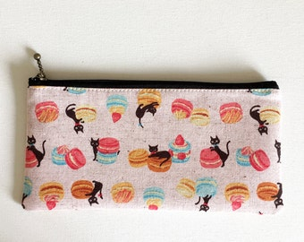 Flat  zipper pouch  -macaroon and black cat