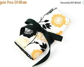 Sale 25% OFF Crochet Hook Roll or Make-up Brush Organizer - Gold Flowers - 26 black pockets