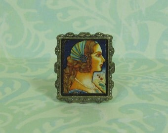 Dollhouse Miniature Standing Frame with Renaissance Lady Profile Art Print
