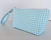 Light blue houndstooth  wristlet  makeup bag  medium size  cosmetic purse  clutch purse  zipper pouch