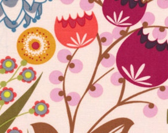 Summer Totem in GRAPERUIT  1 yard  LouLouthi Collection by Anna Maria Horner / Quilt Fabric Appare