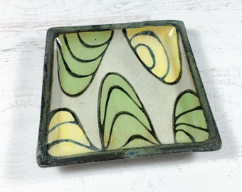 Square Plate with Water Design